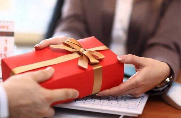Tầm quan trọng và ý nghĩa của quà tặng doanh nghiệp