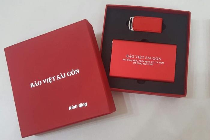 Giftset sạc dự phòng và USB