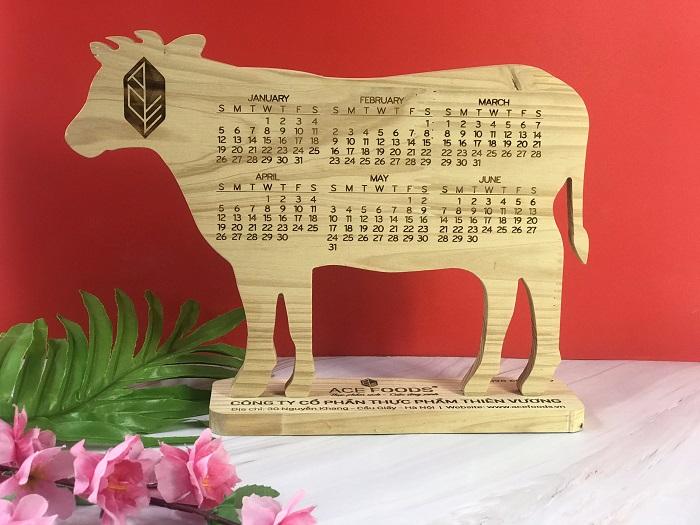 Mẫu lịch để bàn đặc biệt khắc gỗ Laser LBG-01