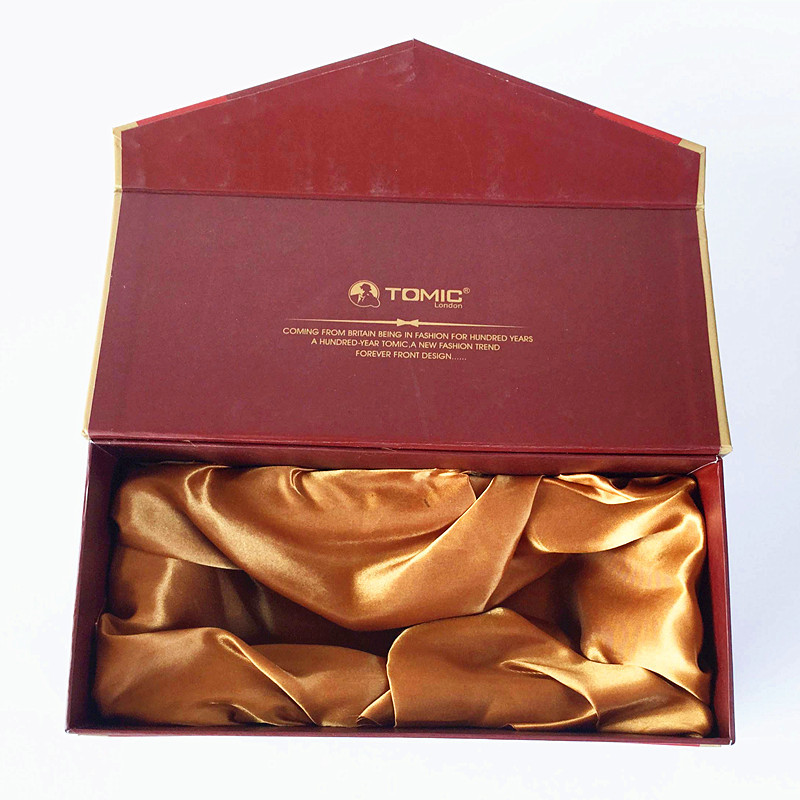 Mẫu hộp đựng rượu vang giấy mỹ thuật đỏ